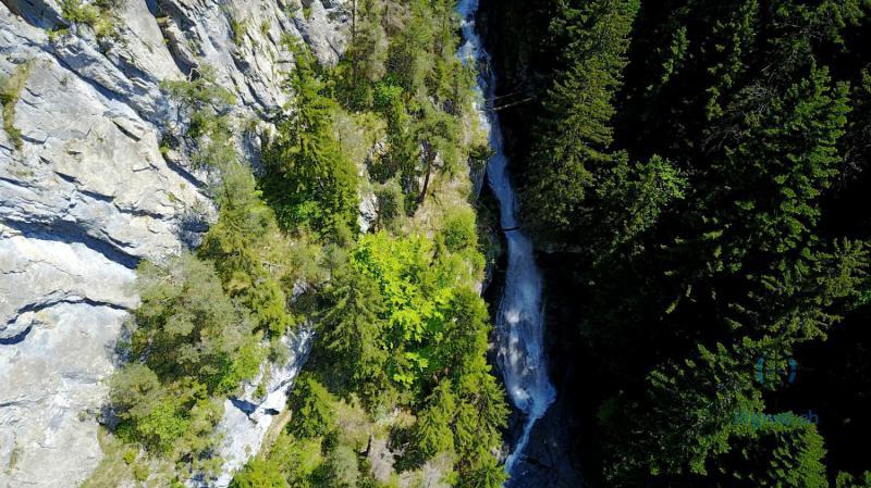 Cascade vers Champéry