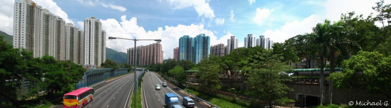 Vue depuis le pont qui mène au temple Chi Lin de Kowloon